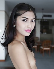 Wine - 20 year old Thai ladyboy has a blowjob and a bath with tourist