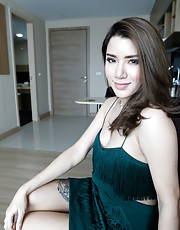 Peach - Hot 25yo sexy Thai ladyboy sucks white cock
