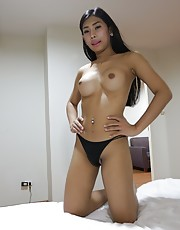 20yo busty Thai newhalf does a striptease for white tourist - Arin1
